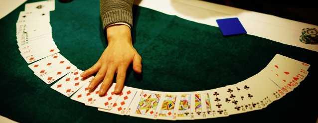 競馬やパチスロ、オンラインカジノなどギャンブルで稼げるサイト情報を紹介